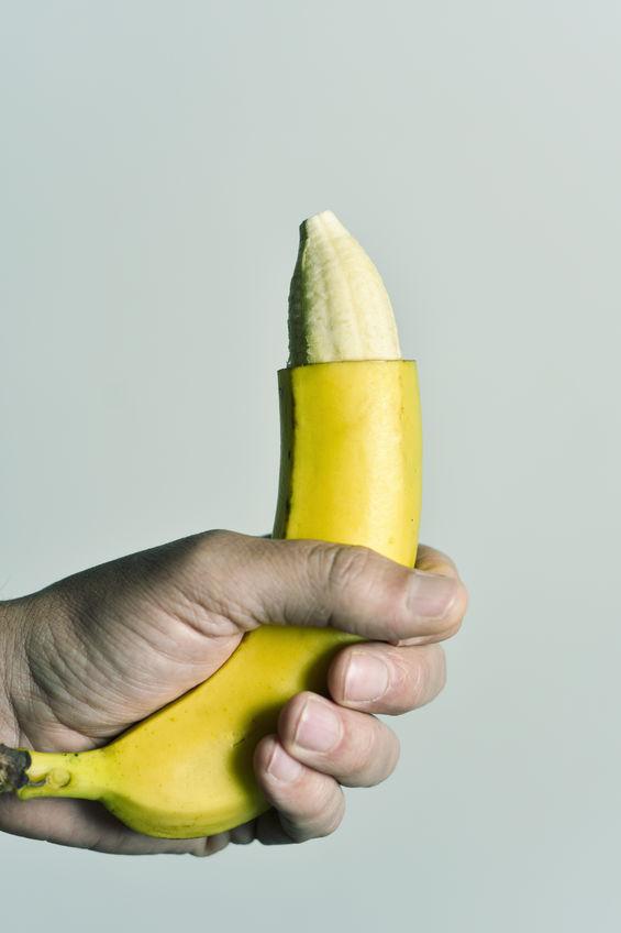 penisuri umflate penis masculin într- o farfurie
