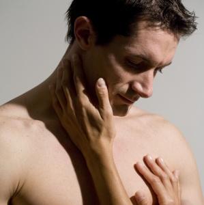Medic: Problemele coloanei vertebrale, una dintre cauzele principale ale impotenţei