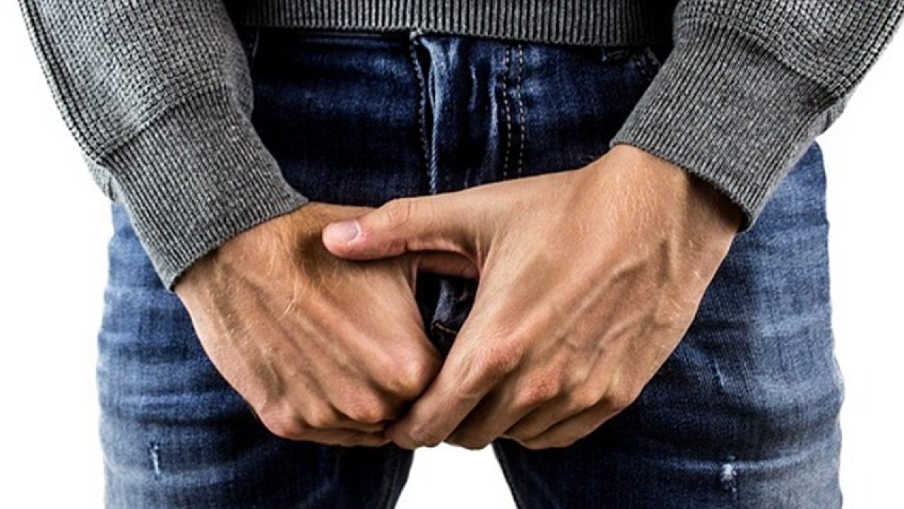 o erecție fără testicule
